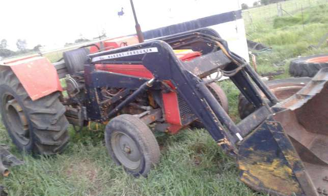 Massey loader speares Potchefstroom - image 1