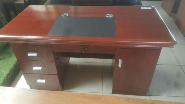 Executive Office Table 12,000 Only Nairobi West - image 1