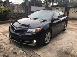 Very Clean 2013 Toyota Camry SE.