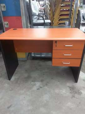 Office Table In Furniture OLX Nigeria - 4 ft office table