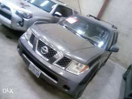 Fairly used Nissan pathfinder 06