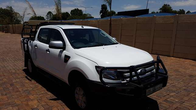 Ford Ranger D/Cab 2,2 XLS 4X4 With Cattle rails and Hunting Seats Kempton Park - image 7