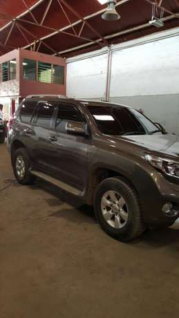 """Toyota Prado In Immaculate Condition"" Industrial Area - image 2"