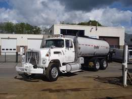 Ford L 9000 with Bearcat bitumen spreader - To be Imported