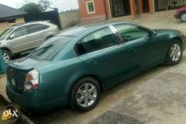 Clean Nigeria used Nissan Altima with chilling AC for sale