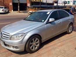 Mercedes Benz C Class C220 Cdi Now stripping for spares