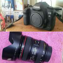 Canon 5D Mark ii on quick sale