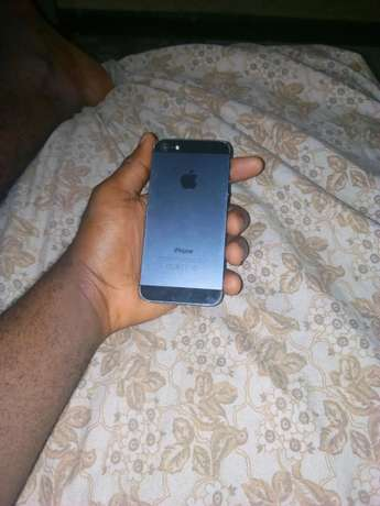 iphone 5 (16 gb) Onitsha South - image 3