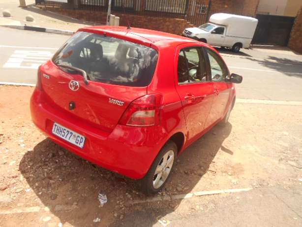 Automatic 2008 Red Toyota Yaris T3 for sale Johannesburg - image 6