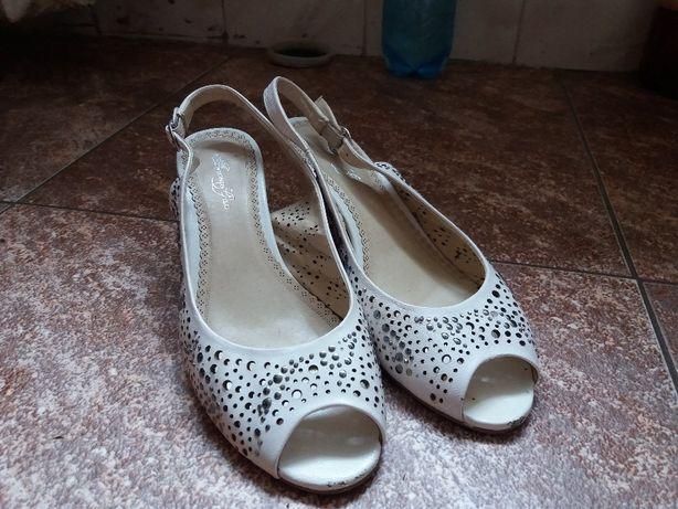 Босоніжки шкіряні antonio gelo босоножки туфли. ціну знижено! Львів -  зображення 1 ceb9df7e4d5a9