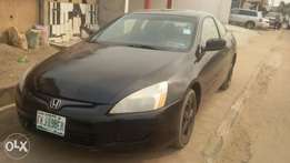 a neatly used honda accord 2007 model coupe