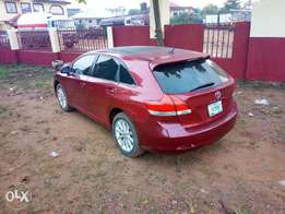 Registered 2011 Toyota venza v4 engine in an excellent condition.