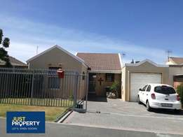 Free standing Town house close to Cape Gate and Glen Gary Shopping cen