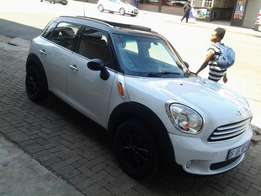 2014 Mini Cooper Countryman 1.6 with Double Sunroof