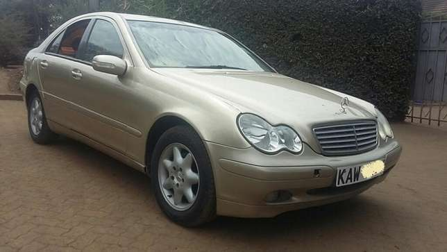 Mercedes Benz C200,KAW,Auto,Petrol,2001,Ksh 790,000 Negotiable Hurlingham - image 2