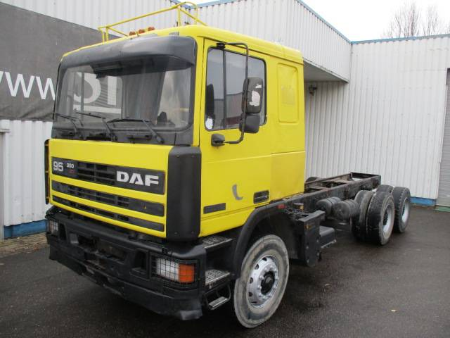DAF 95 ATI 350, 6X4, Chassis, Spring Suspension - 1990