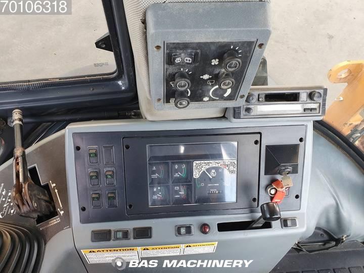Case IH 580 SLE - 1999 - image 17