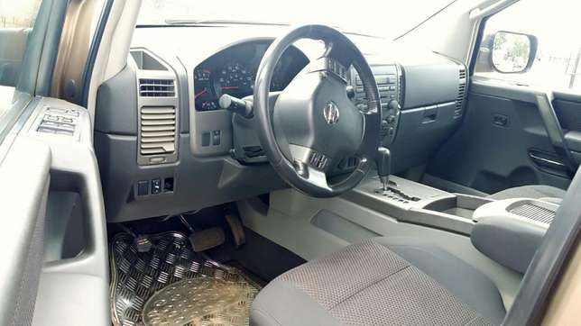 EXCELLENTLY Neat, First Body, Factory Fitted Chilling Ac Nissan Armada Onitsha North - image 4
