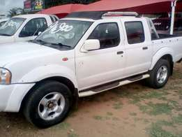 Nissan Hardbody 2.5Diesel Double-cab, 2009 model