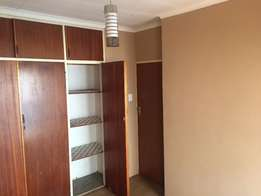 Room available immediately for R2950 in Hatfield