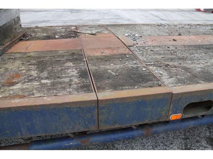 Nooteboom OSD47VVS semi stepfr trailer - 1982 - image 2