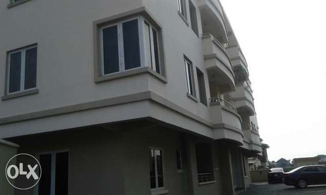 A Lovely 3 Bedrooms Flat for Rent in Lekki Phase 1, Lagos. Ikoyi - image 1