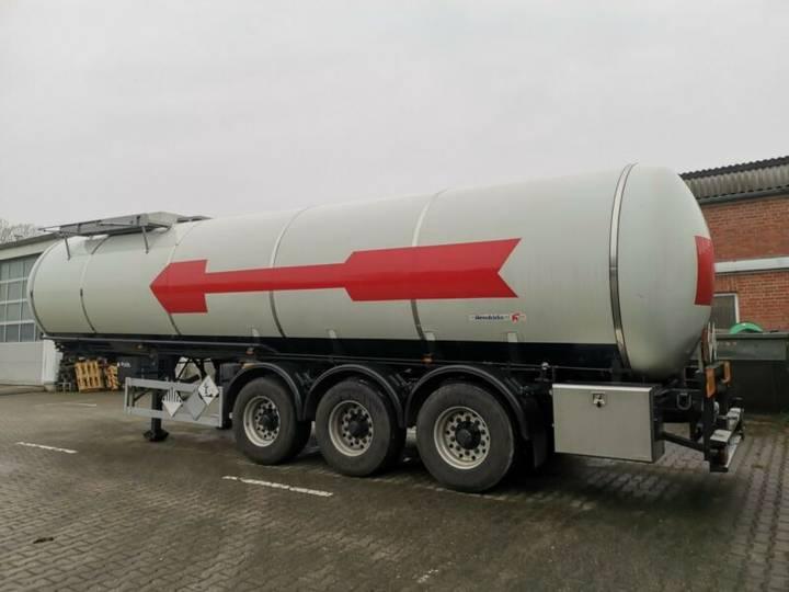 Hendricks 31000 Liter-Edelstahl-Pumpe-ADR-FL-TANK*TÜV***** - 2003