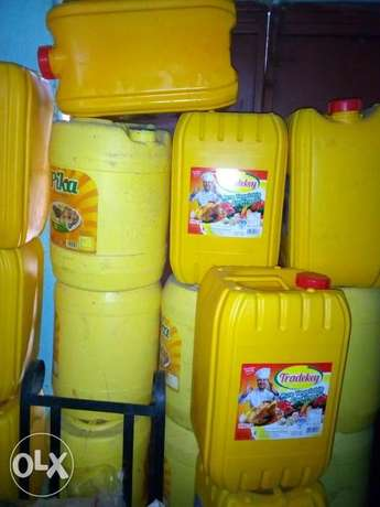 20 litres Empty plastic containers for sale Utange - image 1