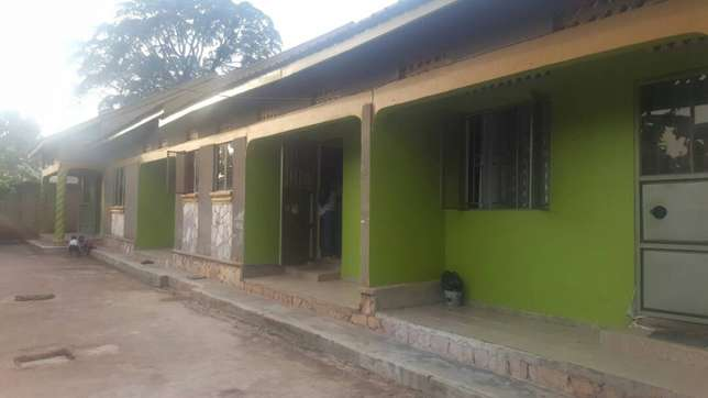A double house for rent in Kyaliwajala Kampala - image 2