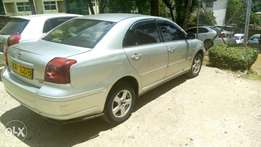 Toyota Avensis local