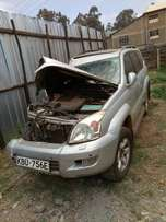 Toyota Prado KBU with damaged right side