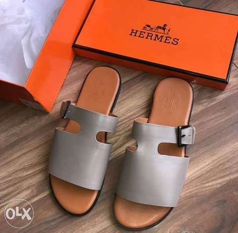 In stock with quality HERMES slippers design avalible on tunds store Lagos Mainland - image 5