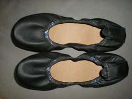 Black curl up flats size 6