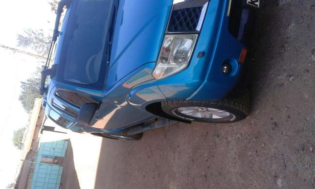 Very clean Nissan Navara double cabin on sale Thika - image 5