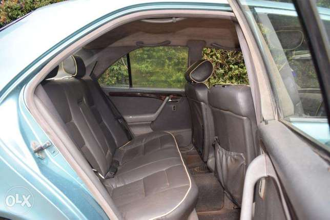 Mercedes C180. 5 Speed. Neat. Quick Sale. View in Karen Karen - image 3