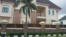Newly Built 6bedrooms Pent House Apartment with a Pool,at Maitama, FCT