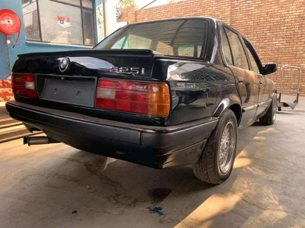 1991 Bmw E30 325i 5spd Manual M50b20 Now Stripping For Spares Car Parts Accessories 1064027123