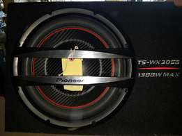 FOR SALE : Pioneer Sub & Starsound Amp