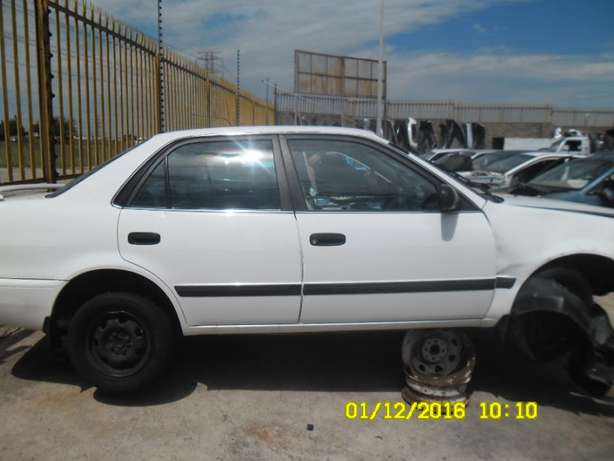 Corolla AE110 stripping for spares Roodepoort - image 3