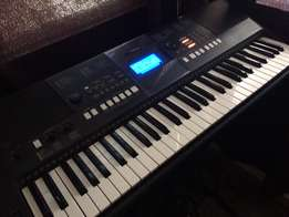 Yamaha PSR E423 with Stand