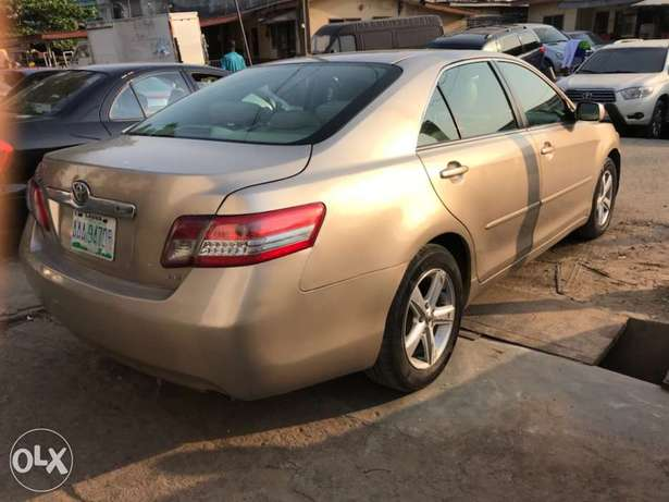 Registered 2007 Toyota Camry (Leather seats,upgraded 2011 kit) 1.98M Surulere - image 4