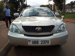 A Toyota Harrier, 2005model on sale