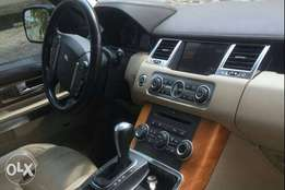 A clean and faultless Range Rover for sale.
