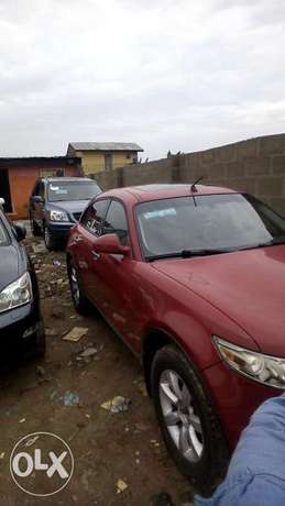 Clean tokunbo Infiniti fx35 full option Lagos Mainland - image 4