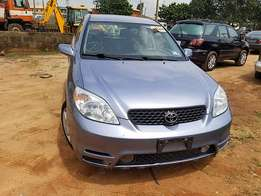 Clean and sound Toyota Matrix 2004 tokunbo