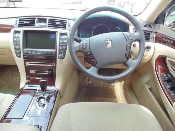 A very clean Toyota Crown on sale Hurlingham - image 3