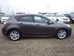 Mazda axela 2010 model on sale..