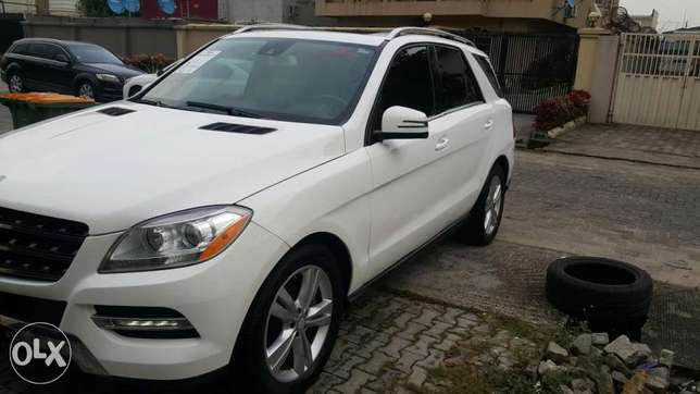 Super clean 2014 Mercedes Benz ML 350 Lekki Phase 1 - image 7