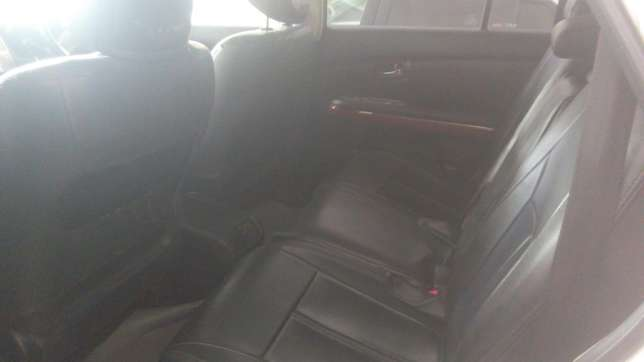 Very clean accident free Toyota Harrier On Sale Mombasa Island - image 6