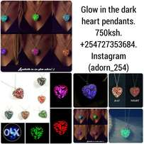 Jewellery accessories, necklace Glow in the dark heart pendants.